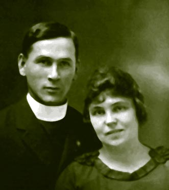 Rev. & Mrs Walls, T'dad bound, 1923